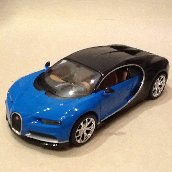 Macheta Bugatti Chiron scara 1/24 metalica NOU
