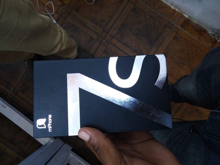 M iPhone 32g na caixa, com todos acessórios