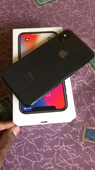 iPhone X 256gb com caixa e carregador