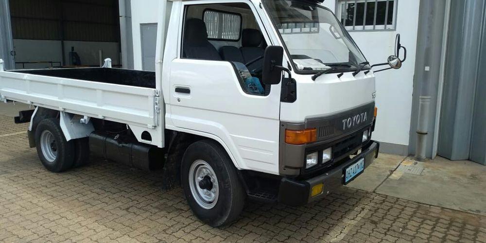 Toyota Dyna manual, motor 14B recém importado em excelente estado Bairro Central - imagem 3