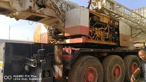 Grua de 150 toneladas a venda