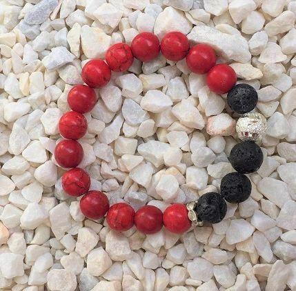 гривна от червени естествени камъни