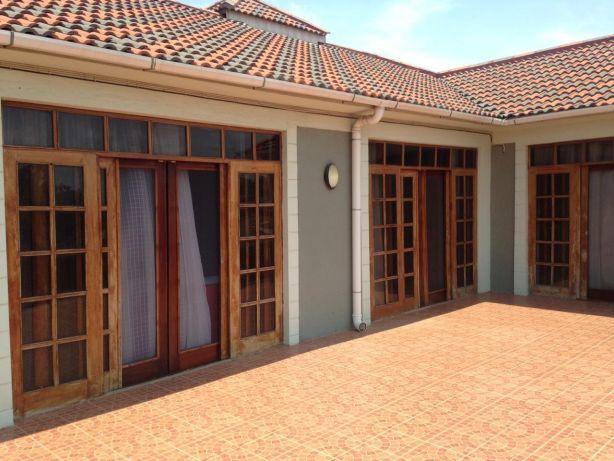 Mahotas Arrendamento T5 com piscina. Maputo - imagem 8