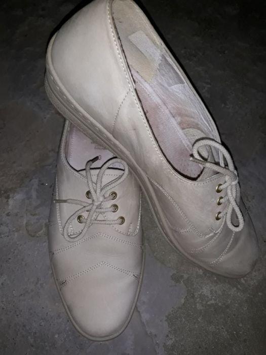 Pantofi din piele marimea 40