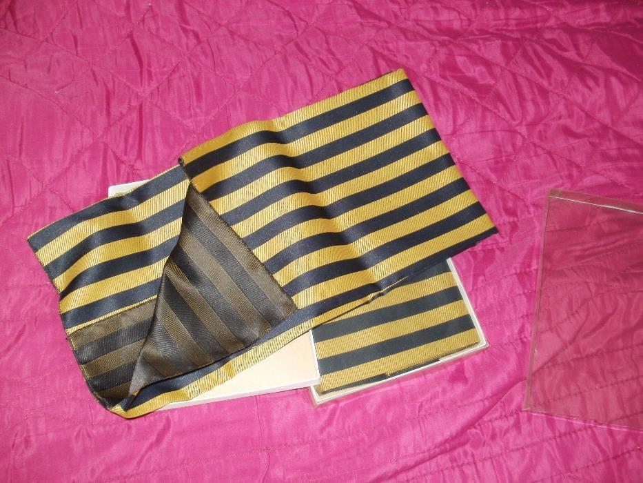 продавам актуални дамски шалове в подаръчни кутии