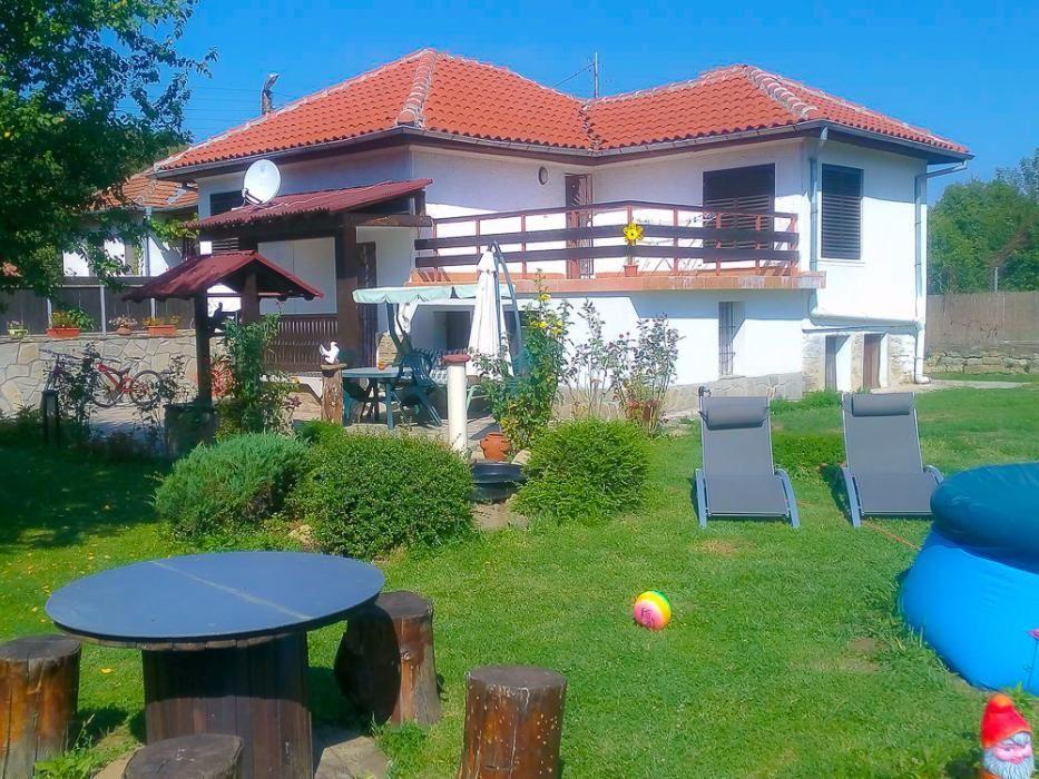 Вила Калин на Килифарския манастир, само на 10 км от В.Търново