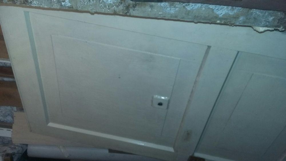 Продам дверь деревянную без косяка. 79×200 см.