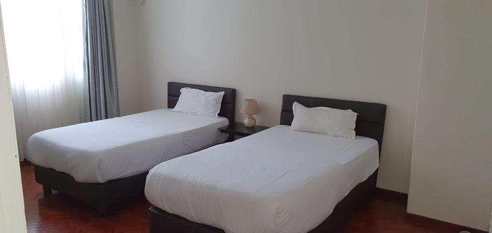 Arrendase flat t4 na polana rua Kassuende esquina com a Julius Nyerere Bairro - imagem 3