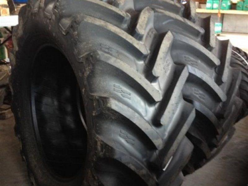650/65R38 гуми за трактори/комбайни