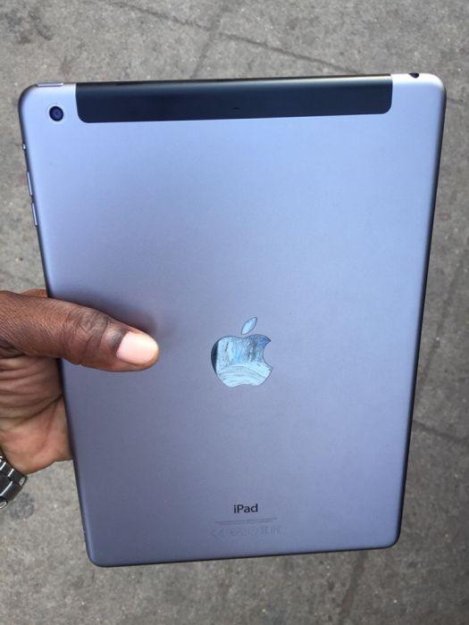 iPad Air fora da caixa 32gb entra cartão