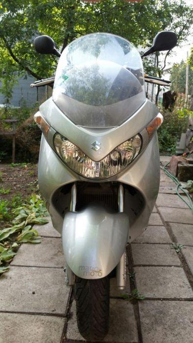 Syzuki Burgman 200cc.
