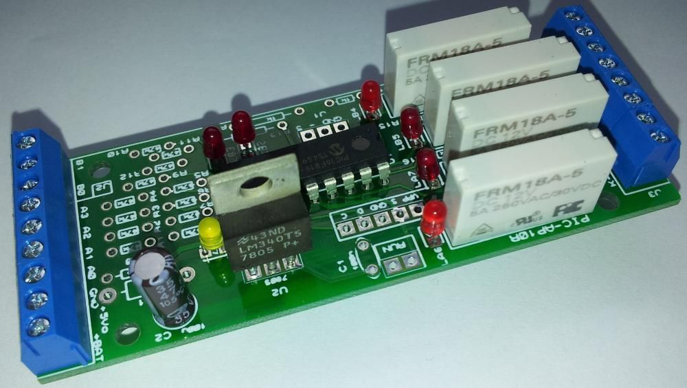 Automat programabil PIC-AP10R (diverse echipari si preturi)