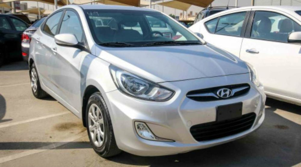 Hyundai acent novo a venda