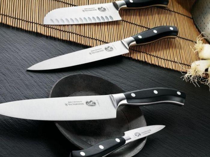 Готварски нож Victorinox 20см,с включена доставка