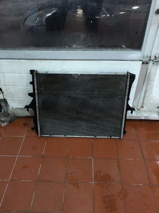Продам радиатор охлаждения Volkswagen Touareg