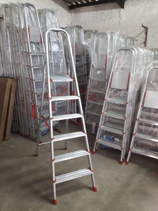 Escadotes de Alumínio alta qualidade uso diverso modelo KMH0106