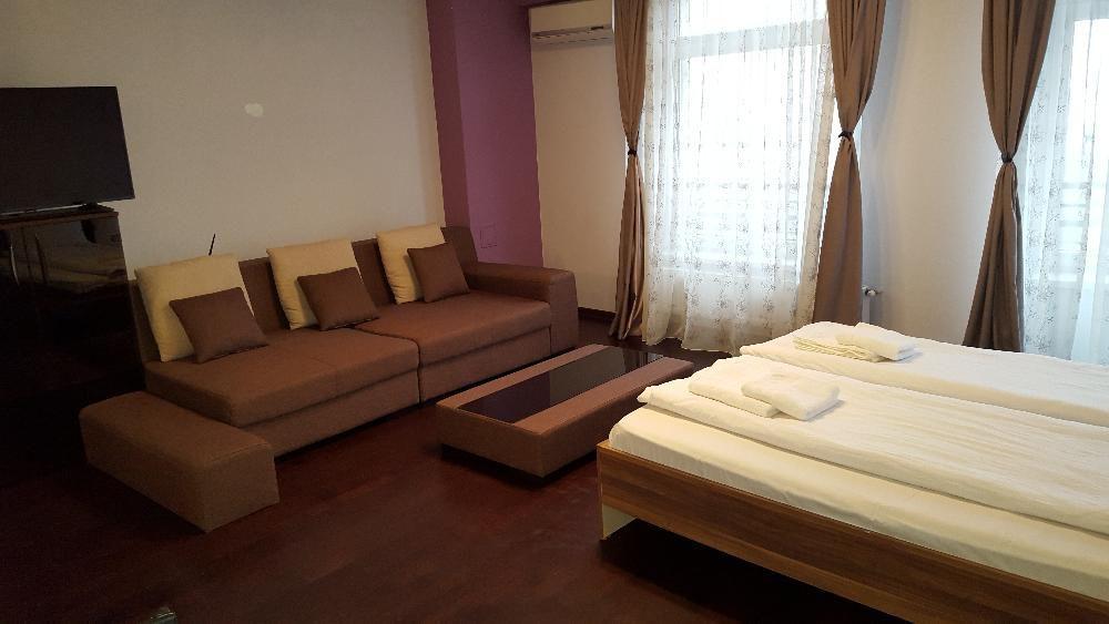 Cazare Centrala Regim Hotelier apart. lux 1 camere cart. Luceafarul