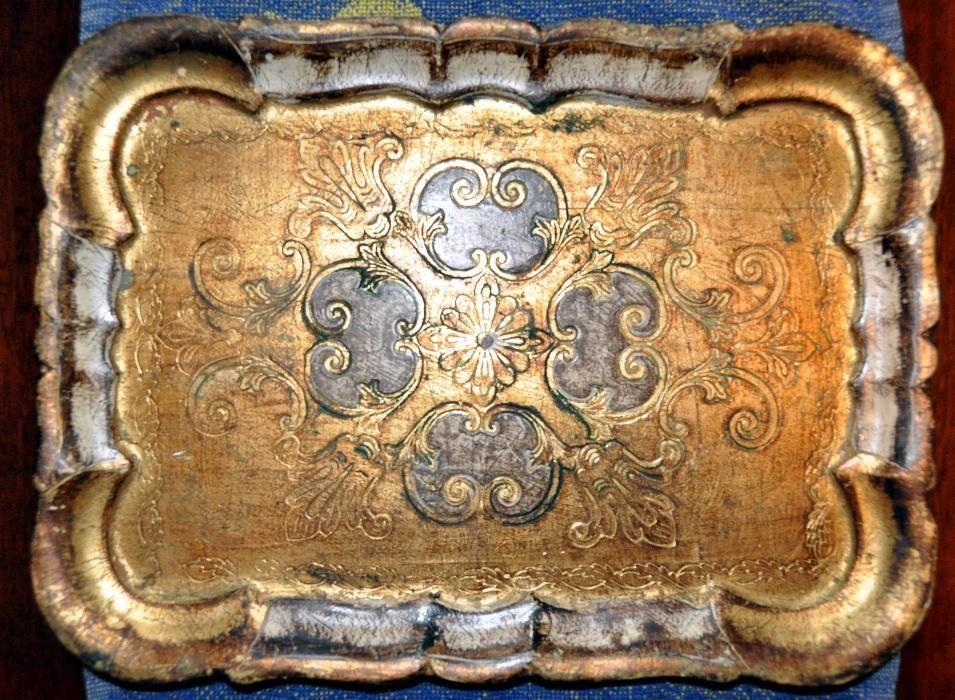 Tava veche pictata si decorata cu foita de aur / sau schimb