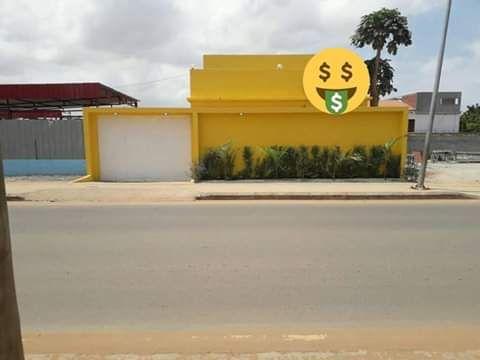 Vende-se uma vivenda no Benfica T3