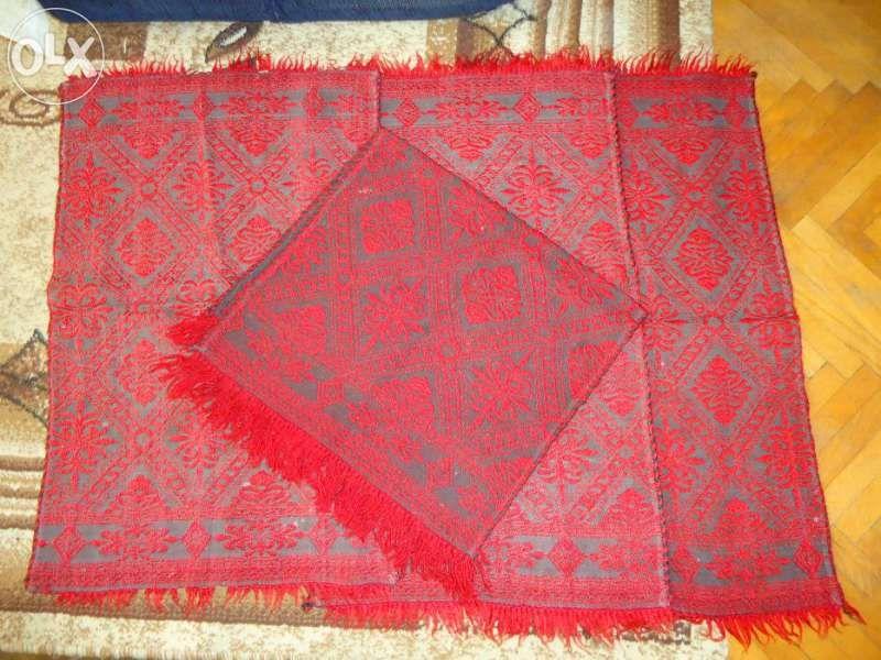 Стари запазени килимчета
