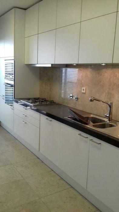 Arrenda-se este Apartamento T4 nas Torres do Gika com Mobílias