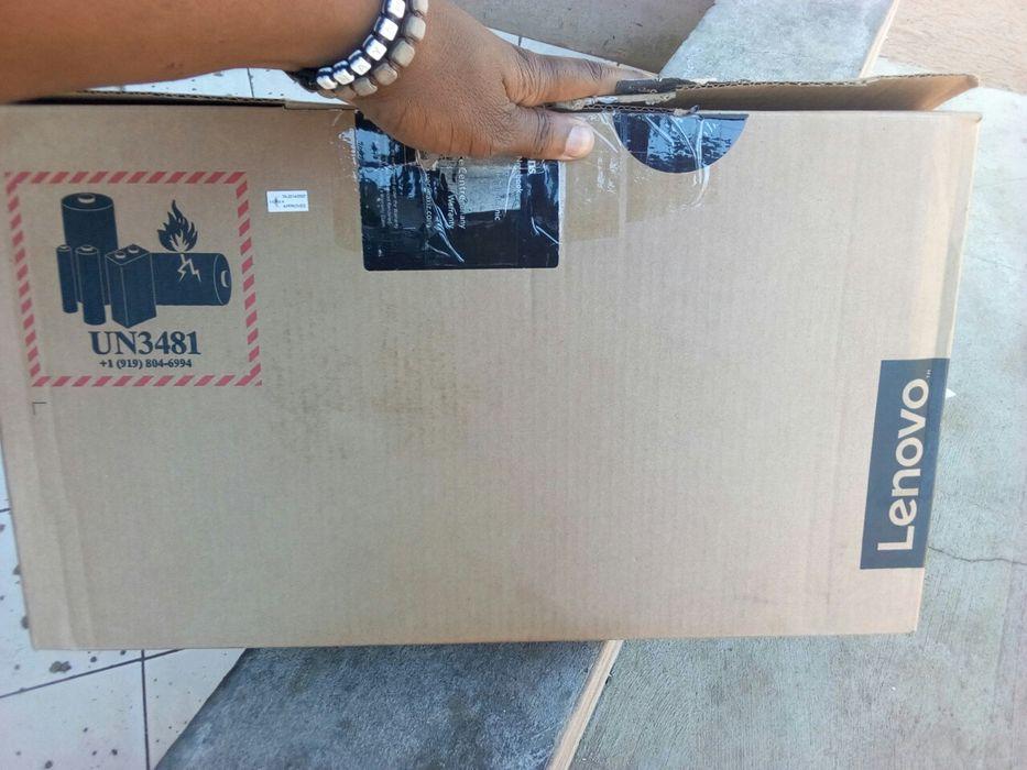 Lenovo v330 intel Celeron 500hd 4ram 8geracao estado novo na caixa e s