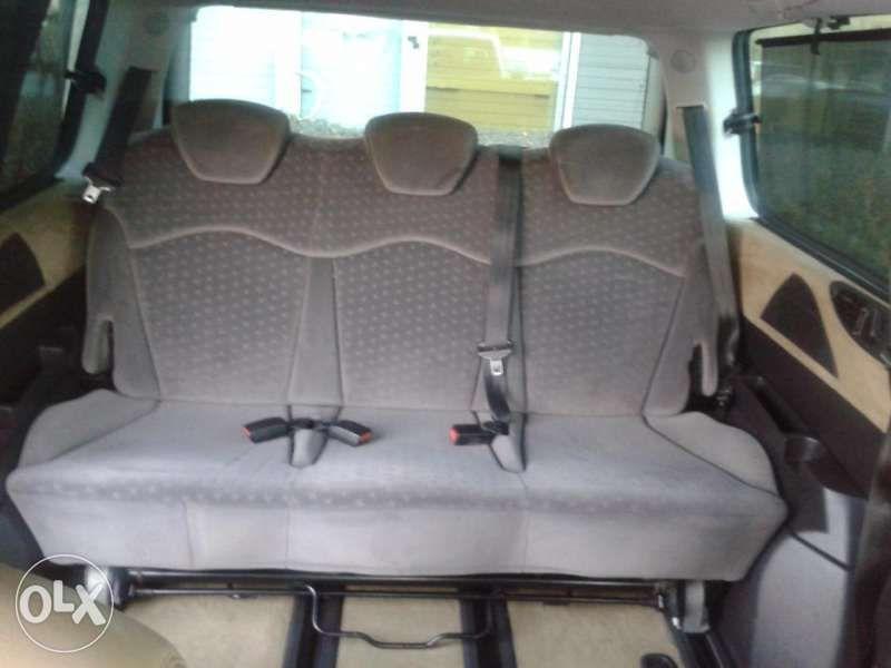 Pod Naem Lancia Phedra , Peugeot 807 , Citroen C8 седалка трети