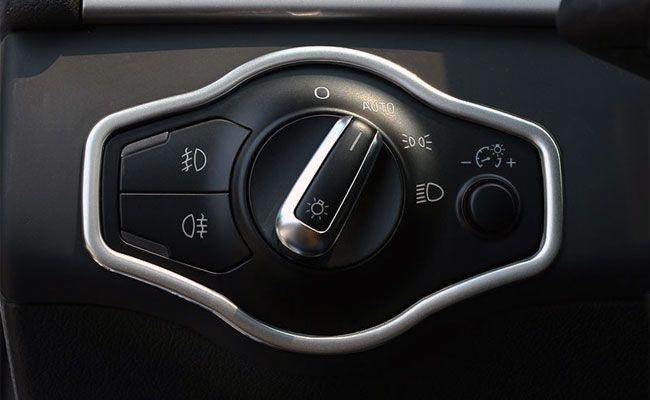 Ornament metalic rama bloc lumini - Audi
