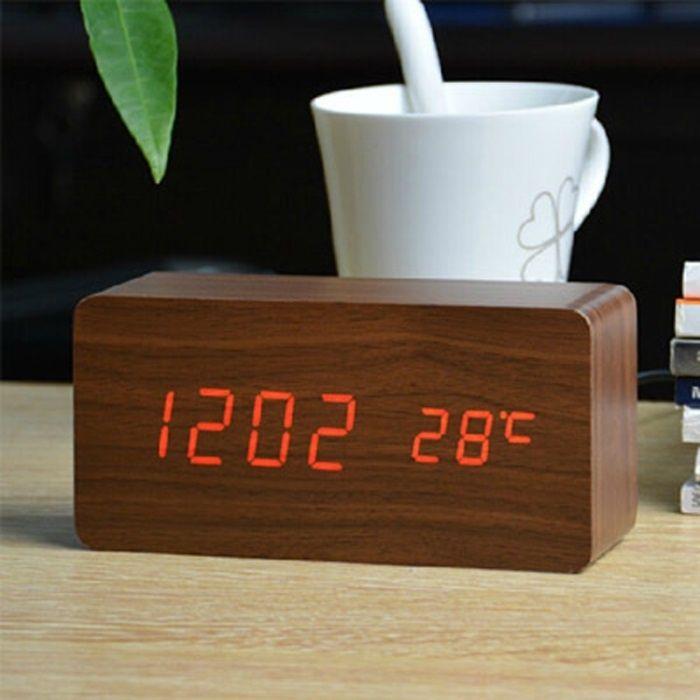 Ceas digital de 'lemn'