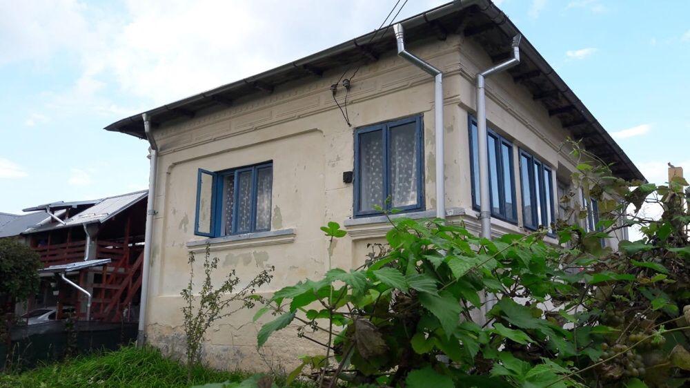 Casa batraneasca si teren comuna Budeasa