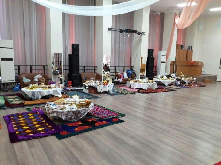 Аренда казахских круглых столов