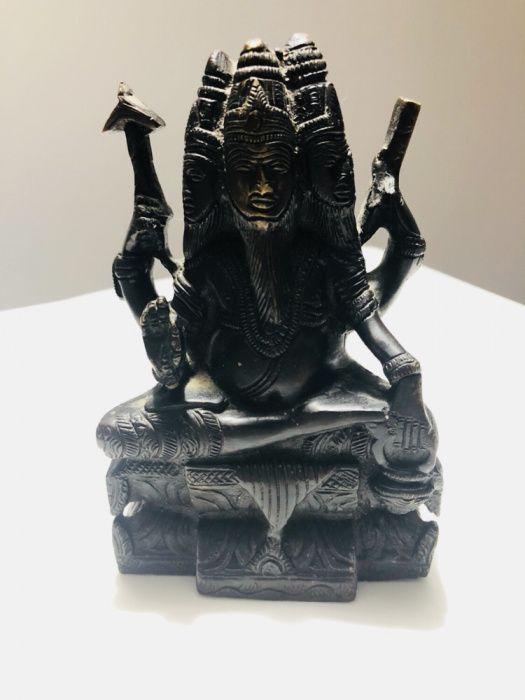 Statuie reprezentând o zeitate budista