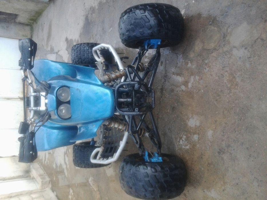Vendo moto 4