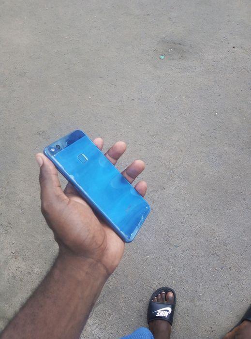 Huawei p10 lite com rachinhas