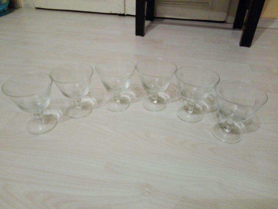 Vand set pahare artizanale pentru vin