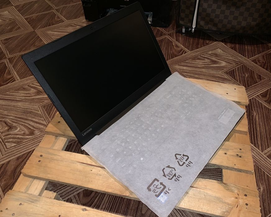"""Promo enovo ideapad 330 SpaceGray 15,6"""". Celeron 8th Gen"""