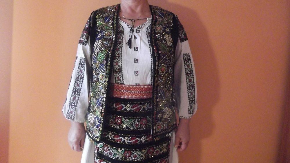Costum popular ( unicat ) zona - Argesului