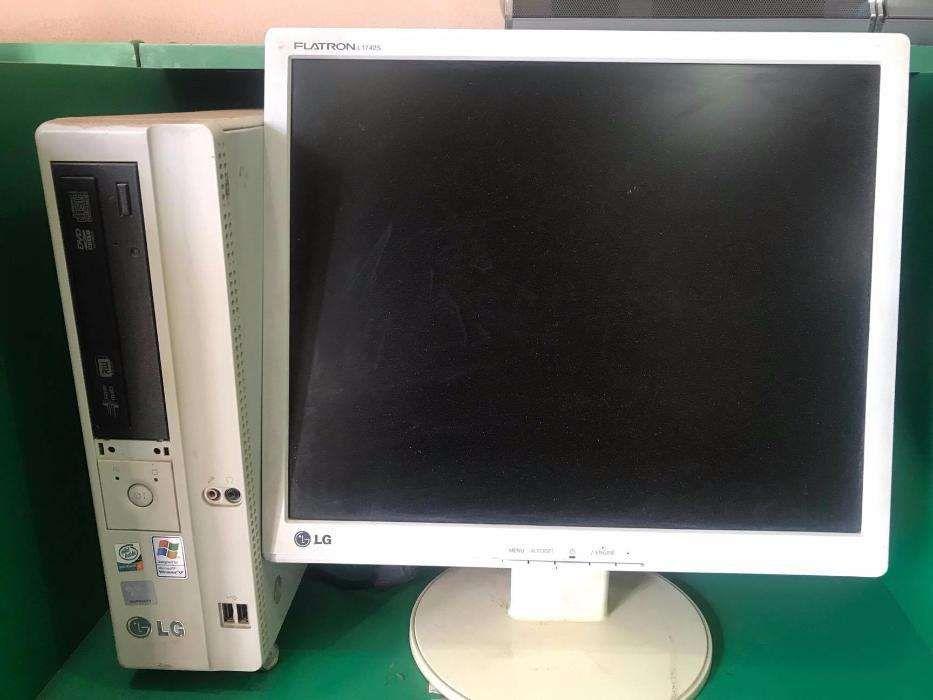 Computador de mesa Monitor Plasma 17P Reciclado