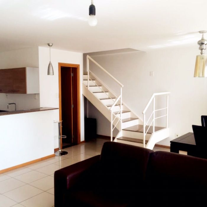 Arrendamos Apartamento T2 Duplex Condomínio Belas Business Park