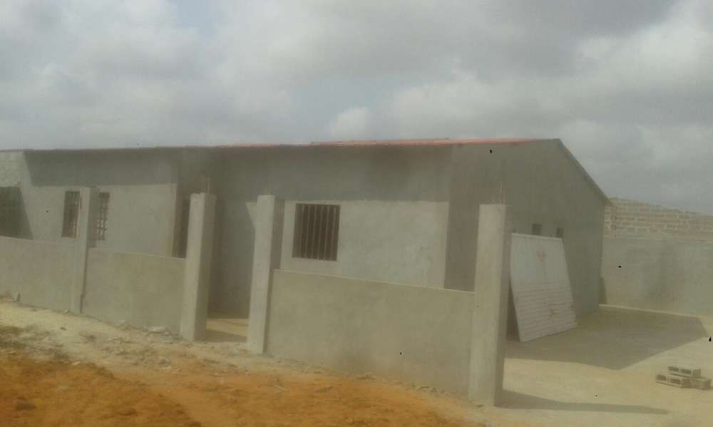 Temos casas T3 uma suíte junto a somague via Expresso a 5milhões d kzs