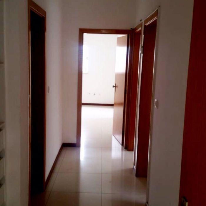 Arrendamos Apartamento T3 Condomínio Vale dos Pássaros de Talatona
