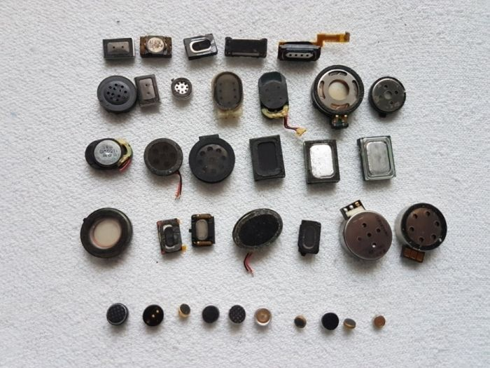 Difuzoare și microfoane telefoane vechii