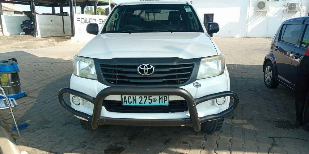 Toyota hilux d4d clean