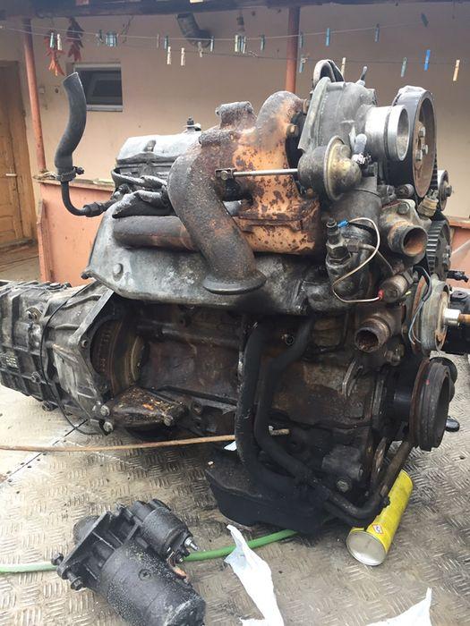 Dezmembrez motoare Iveco 2,5 și 2,8 și cutie completa