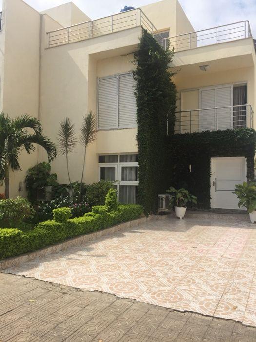 Aluga-se Vivenda V4 no Condomínio Residencial Real Park