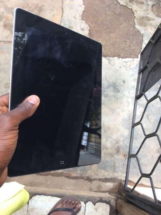 Vendo ipad 4 com 16GB Wi-Fi