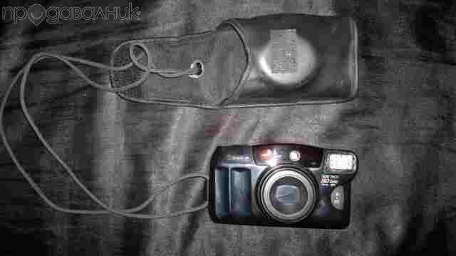 Ретро Фотоапарат със зум и лента CANON