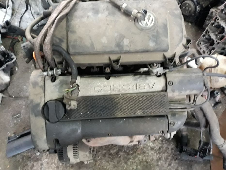Фолксваген Поло 1.6 бензин 74 KW