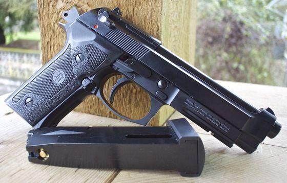 Cel mai Puternic BERETTA - Pistol Cu Aer Comprimat Full Metal Cu Recul