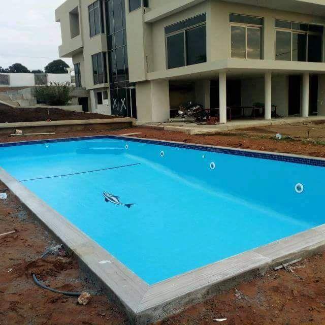 Munguambe Piscinas lda construcao manutencão e limpeza de piscinas
